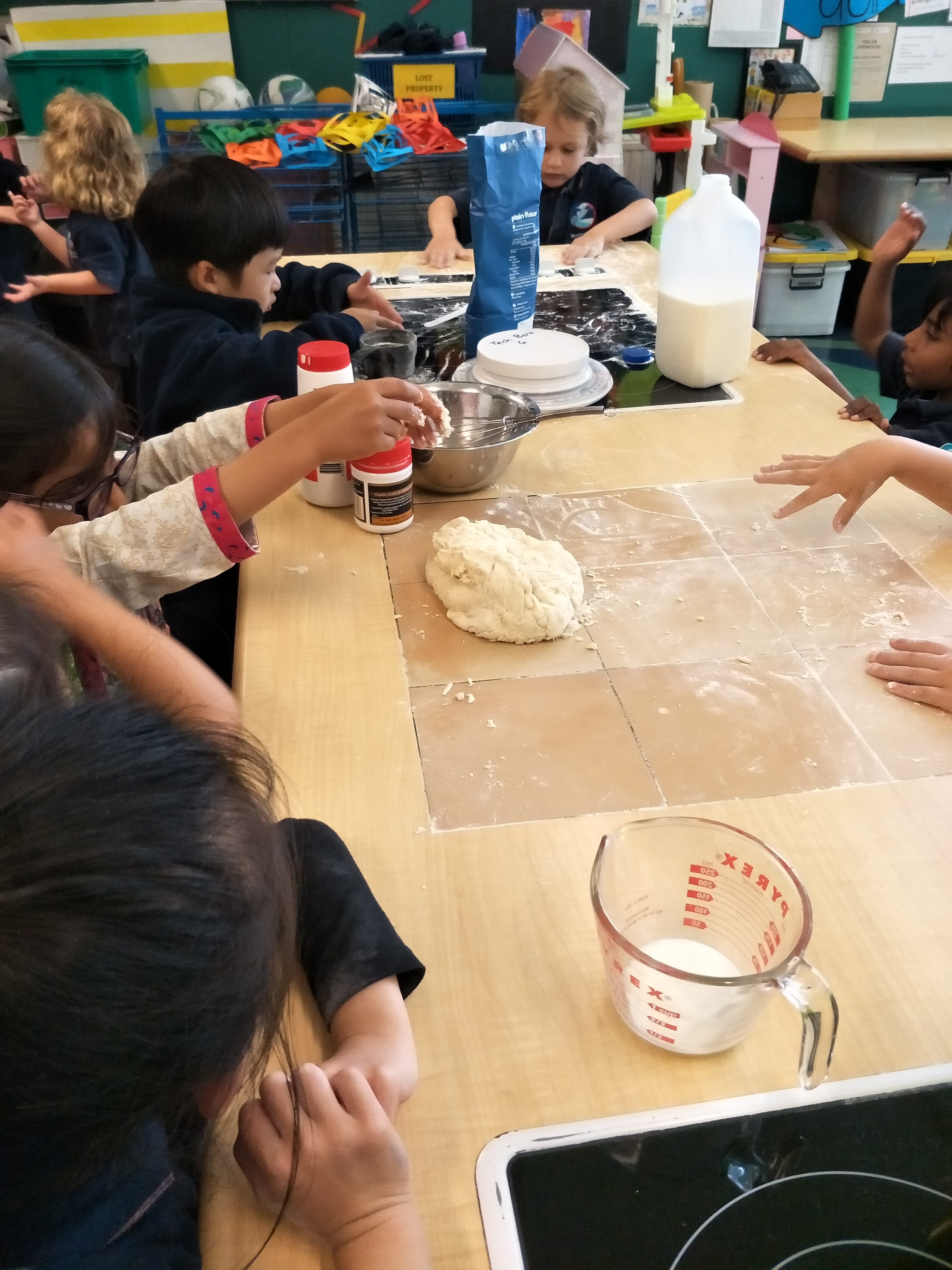 Blockhouse Bay Primary School - Baking and Learning in Room 24/25