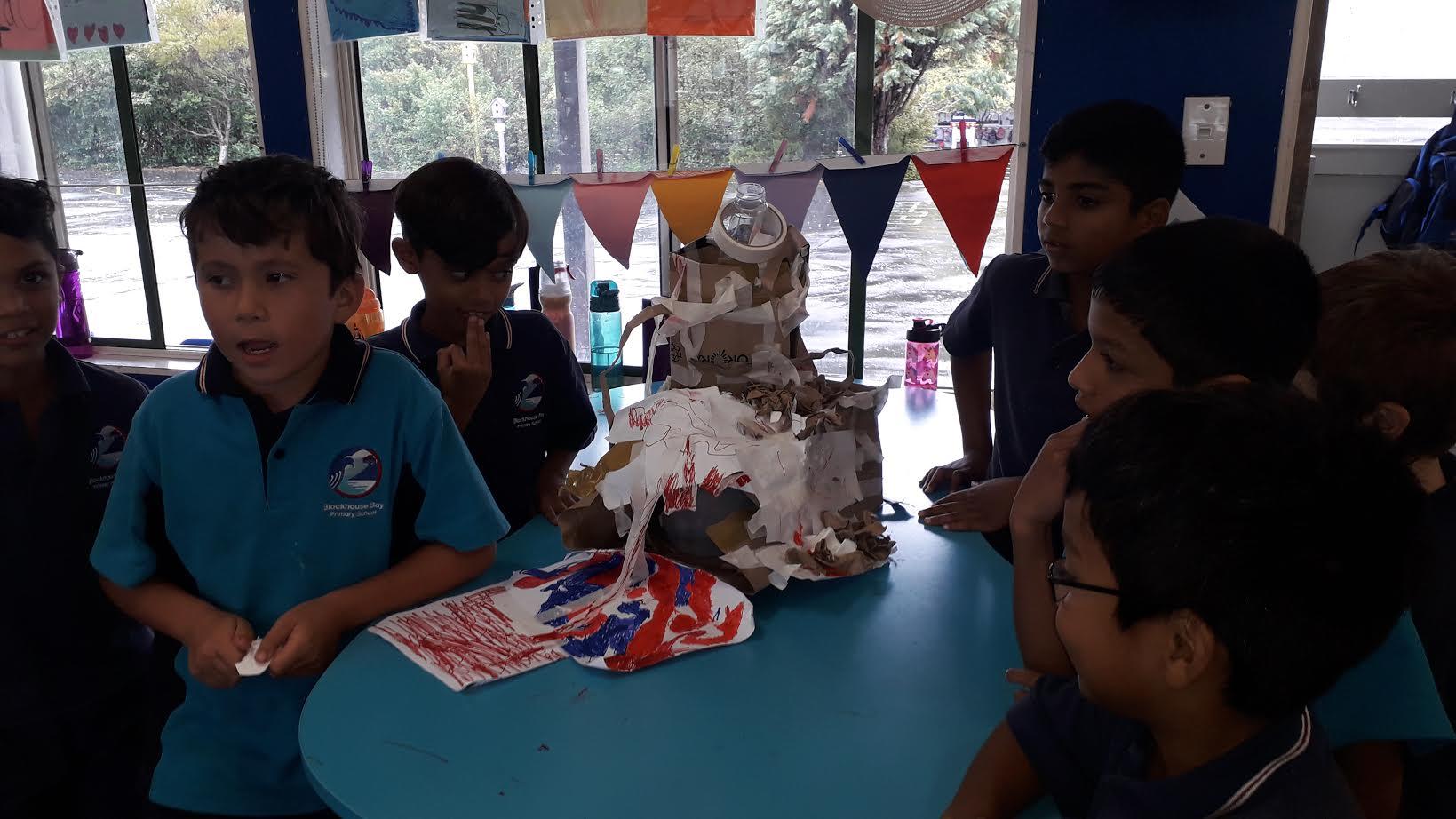 Blockhouse Bay Primary School - Tinkering with Volcanoes