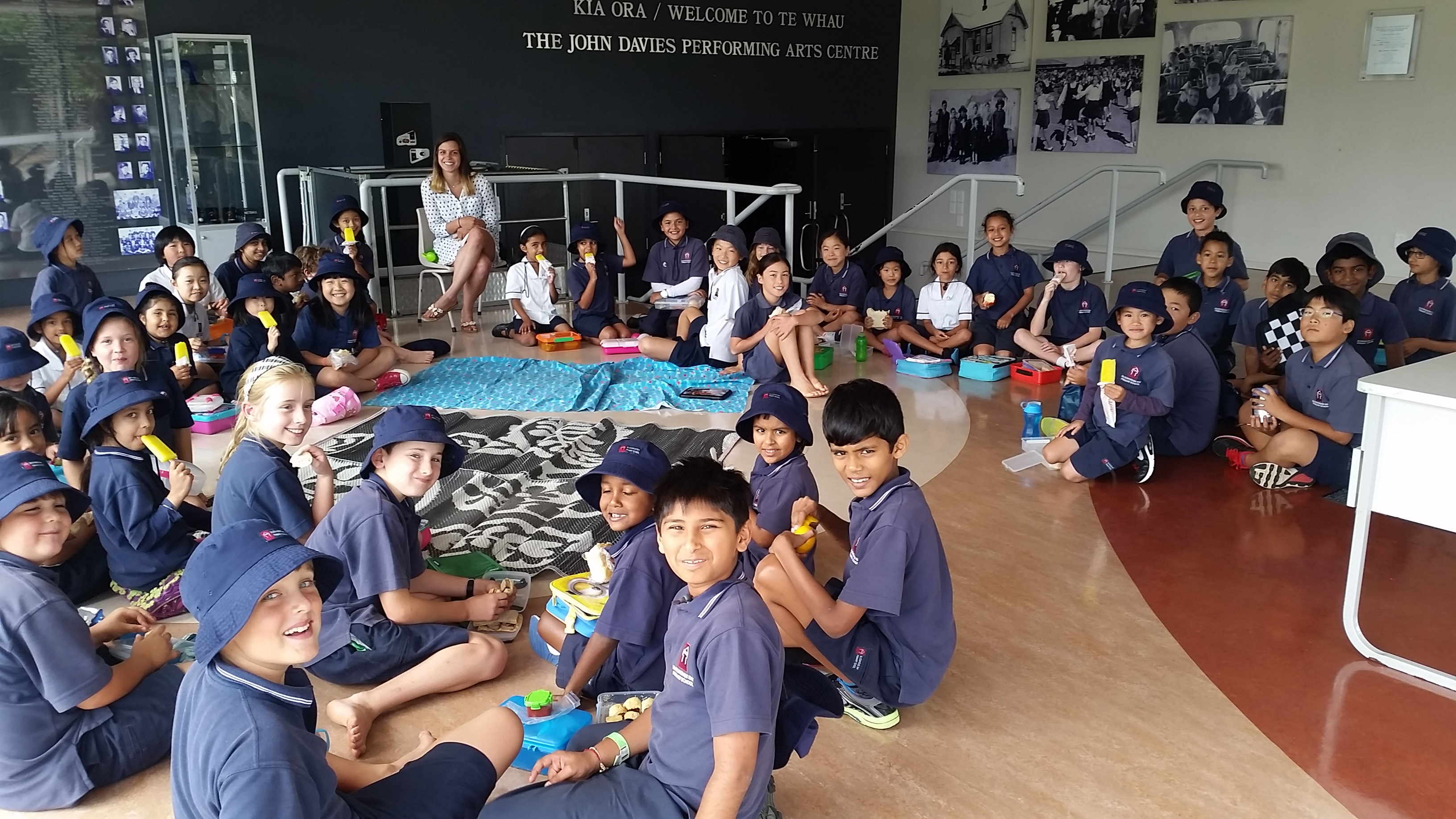 Blockhouse Bay Primary School - Buddy Class Picnic Lunch