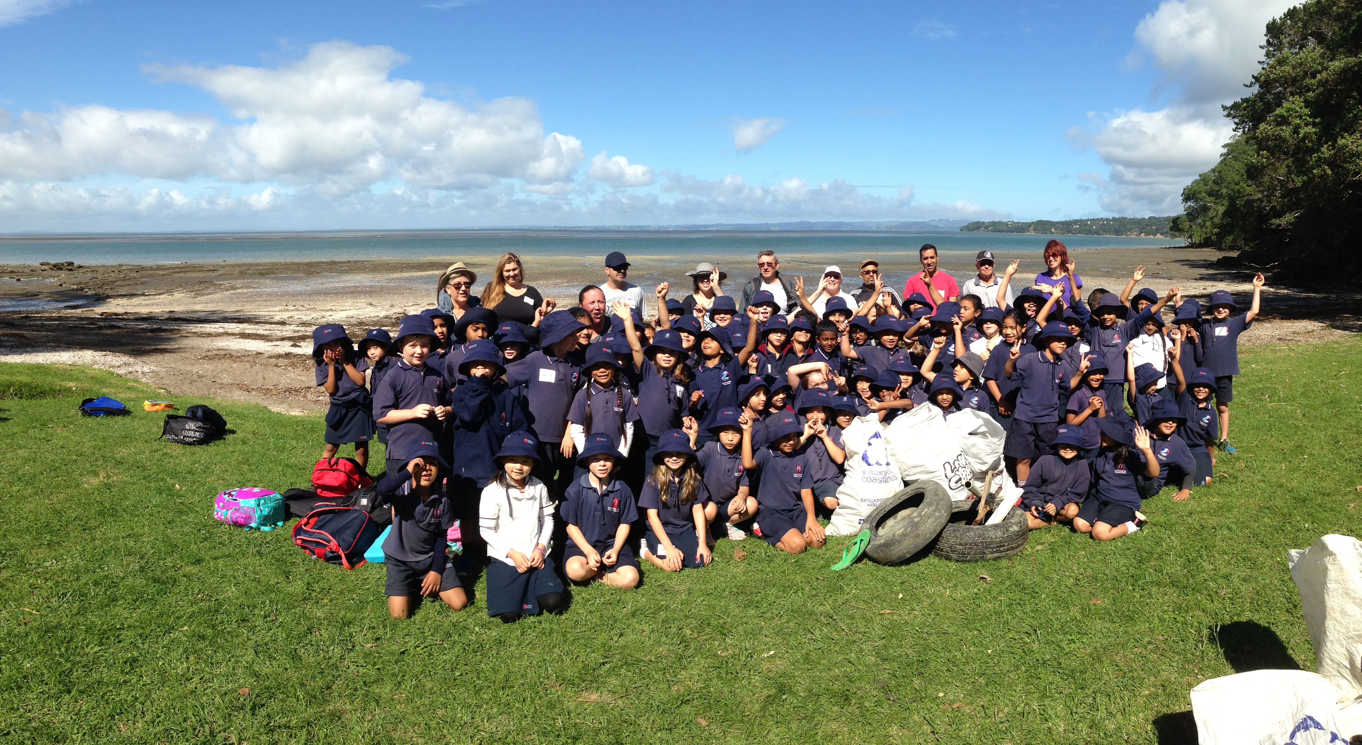 Blockhouse Bay Primary School - Rimu Beach Clean Up