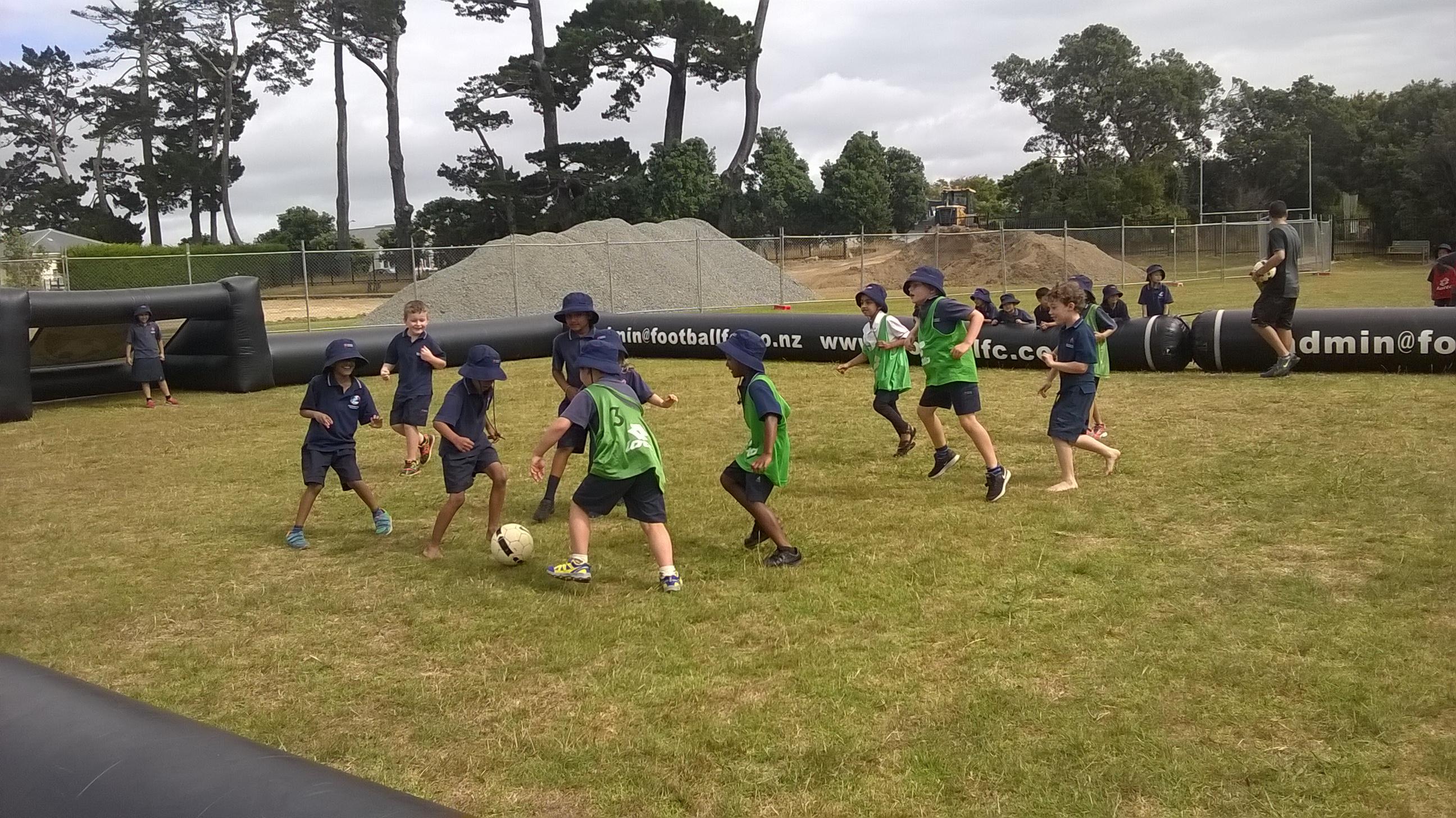 Blockhouse Bay Primary School - Soccer!!