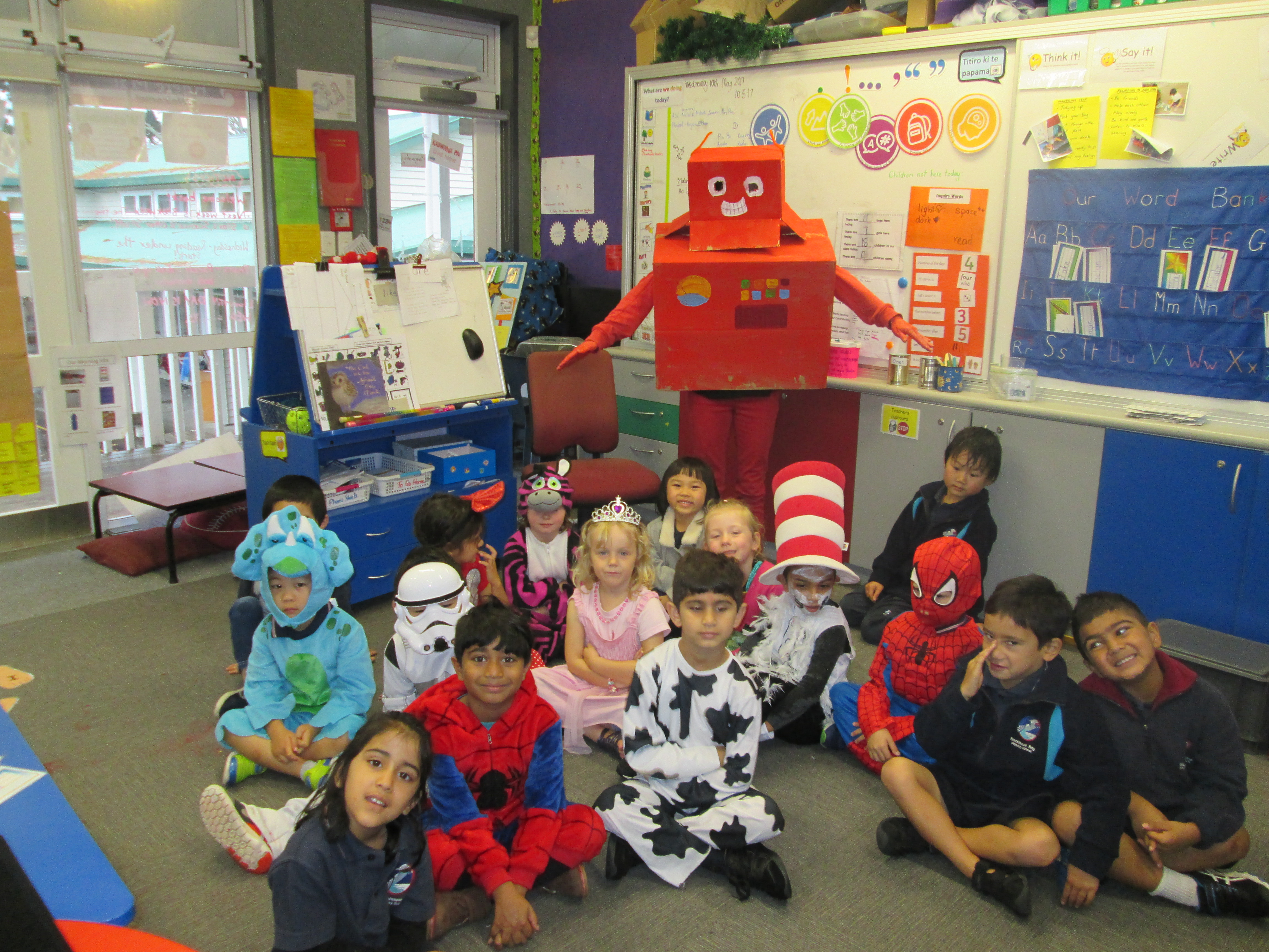 Blockhouse Bay Primary School - BOOK WEEK -STARS, SCIENCE & OTHER STUFF!!